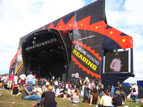 read stage file reading festival stage 2005 jpg wikimedia commons