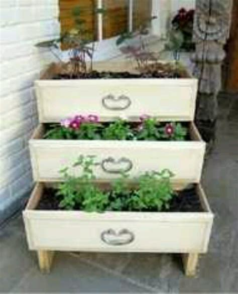 Ideas For Dresser Drawers by Repurposed Dresser Drawers Repurposed Ideas