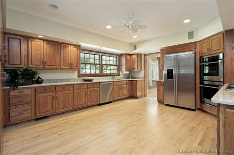 medium oak kitchen cabinets pics for gt medium oak kitchen cabinets