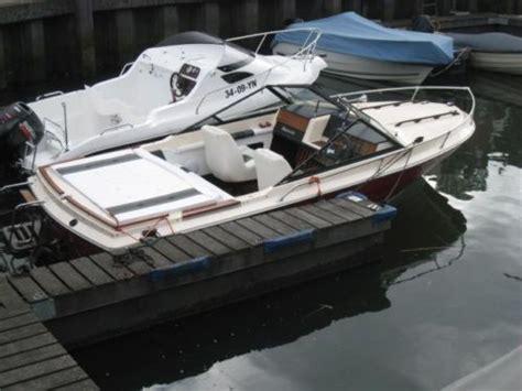 speedboot bayliner speedboot bayliner 8 cilinder 6 2 liter diesel