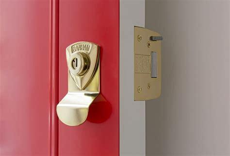 choose  smart lock   front door