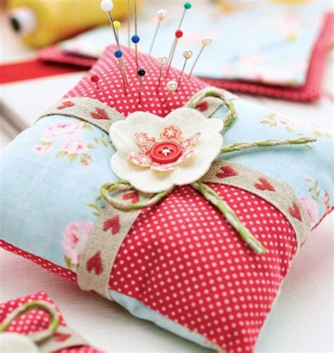 craft sewing projects 25 best ideas about pincushion tutorial on