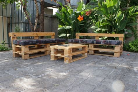 pallet garden with table pallet ideas recycled