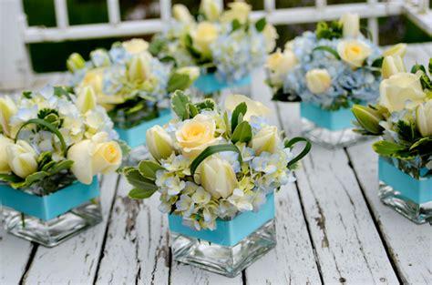 memorable wedding using blue wedding flowers in your
