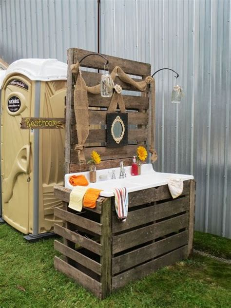 bathrooms for outdoor weddings 16 best images about porta potty on pinterest rustic
