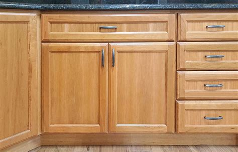 surplus kitchen cabinet doors nantucket kitchen cabinets builders surplus