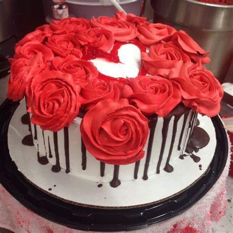 Red Cake Decoration by Red Velvet Cake Decorated W Roses Choc Amp Of Course A