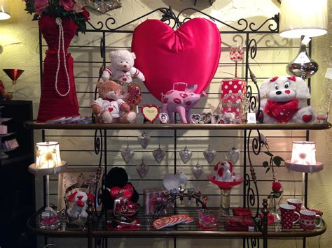 chicago valentines day ideas best places to get valentine s day gifts in chicago 171 cbs