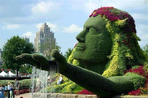 marvelous grass sculptures