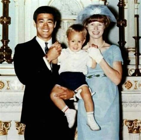 bruce lee linda lee biography bruce lee s sister agnes wedding in 1966 with wife