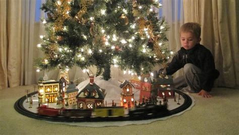 christmas trains for under the tree gaugemaster dcc prodigy advance 2 ho fluorescent lights sets for trees