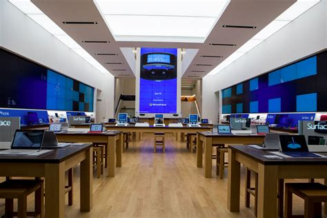 microsoft 195 182 ffnet ersten flagship store in new york