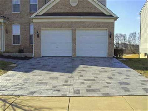 benefits of using stamped concrete over concrete pavers