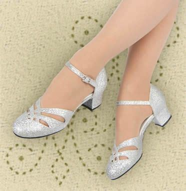 Sepatu Jazz Ballet aris allen 1920s style silver shoes aris allen and
