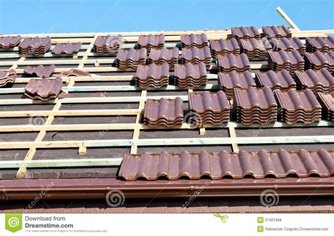 Tile Roof Installation Roof Tiles Installation Royalty Free Stock Photos Image 21301658