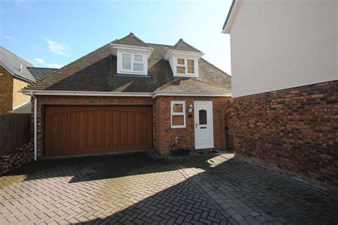 5 bedroom house with annexe 5 bedroom detached house for sale in plus a two bedroom