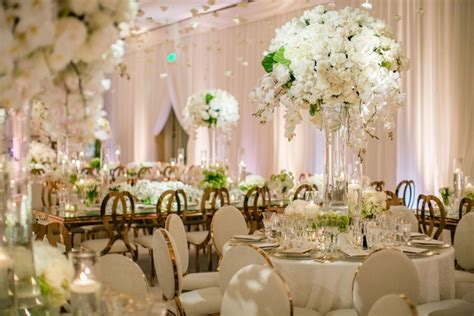 romantic jewish wedding with lush ivory flowers rose