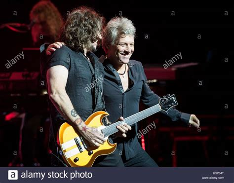 Bon Jovi 34 jon bon jovi right and richie sambora live on stage as