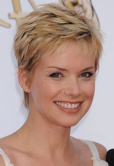 pixie haircut and highlight short hairstyle pixie with blonde highlights andrea osvart