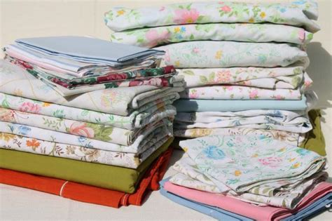 vintage bedding lot, retro print bed sheets & pillowcases