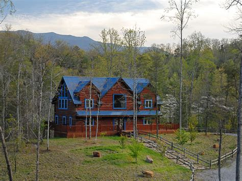Cabins Of Pigeon Forge Tn by 3 6 Bedroom Cabins In Pigeon Forge Tn Pigeon Forge Cabins