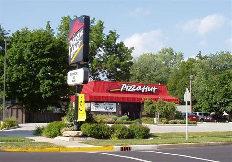pizza king plymouth file bremen indiana pizza hut jpg wikimedia commons