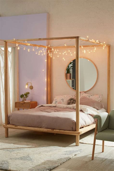 Canopy Bunk Bed How To Decorate A Canopy Bed The Minimalist Nyc