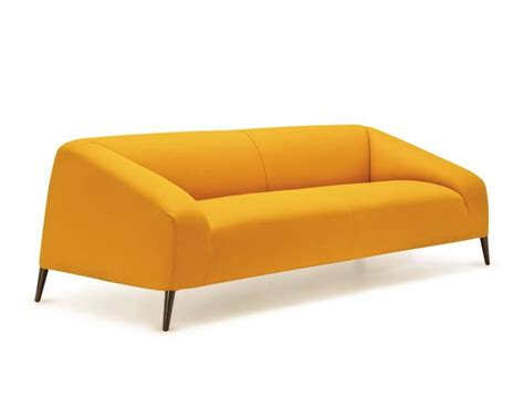 divanetto design divanetto design con piedini in legno rivestimento in