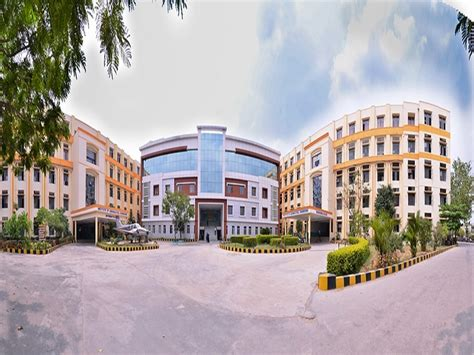 Villa College Hyderabad Mba Fees by Institute Of Aeronautical Engineering Iare Hyderabad