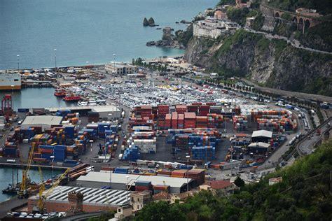 porto di salerno file porto di salerno jpg wikimedia commons