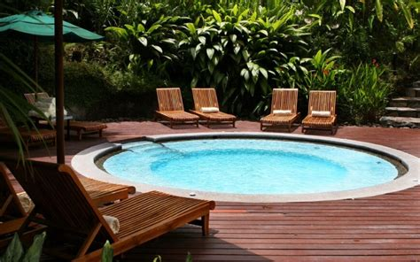 Nice Backyards by 21 Beautiful Plunge Pool Ideas