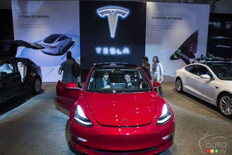 tesla model 3 ontario tesla model 3 makes canadian debut car news auto123