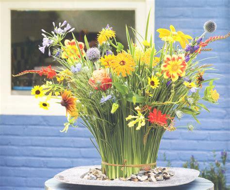 Flower And Garden Magazine Recent Australian Publications August 2013 Dewey Invitations Ideas