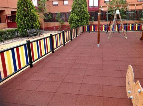 pavimenti per parco giochi pavimento parco giochi 20 mm power fitness