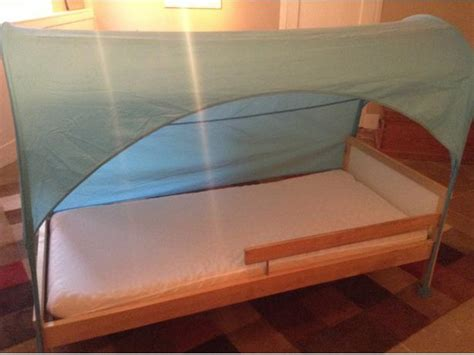 barely used toddler bed mattress and removable