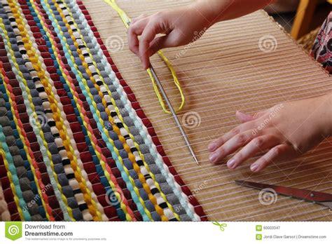 kleed weven doe het zelf stock afbeelding afbeelding bestaande uit