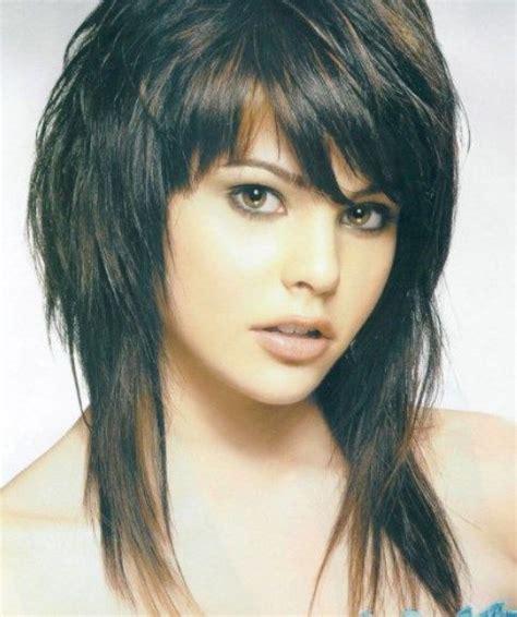 below shoulder hairstyles for mature women best 25 medium shag hairstyles ideas on pinterest shag