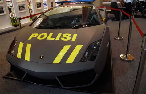 Yuk Cari Tau Tentang Mobil Balap mobil polisi gallardo hitam terkesan lebih sport