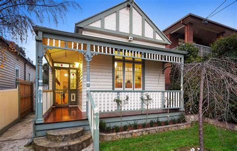 buy house in melbourne suburbs melbourne s outer suburb auction spike realestate com au