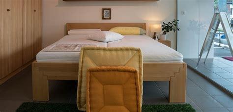 höhe nachttisch boxspringbett ikea schlafzimmer modern