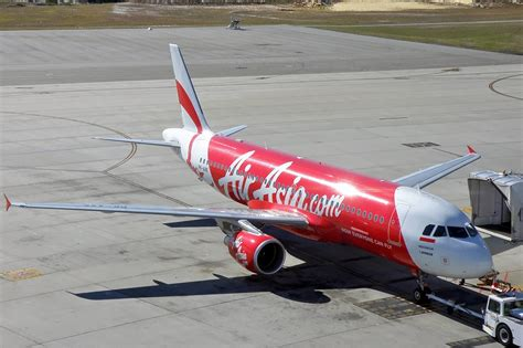 airasia indonesia wikipedia file indonesia airasia airbus a320 200 per koch 2 jpg