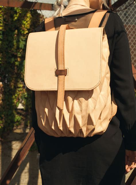 Origami Backpack - transfold backpack a bag that expands and contracts
