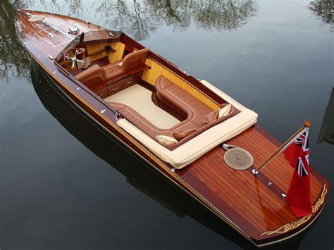electric boat mclaren designer builds gorgeous electric speedboat