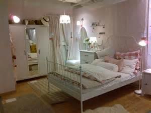 hänge bücherregal funvit wohnzimmer einrichten landhausstil modern