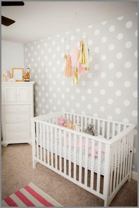 Nursery Decorating Ideas Uk Tapety W Grochy