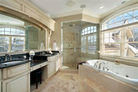 36 Master Bathrooms with Double Sink Vanities (PICTURES)