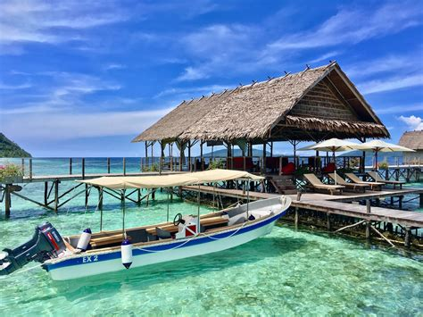 raja at dive lodge resort a spa in paradise papua explorers dive resort raja at