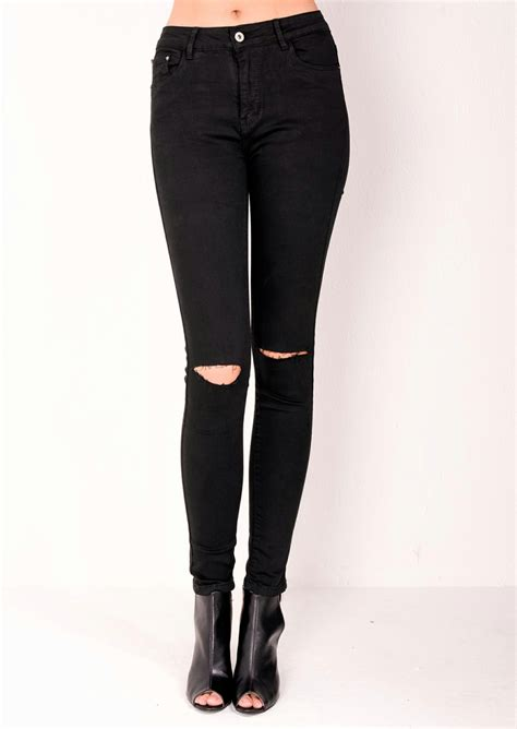 Celana Denim Hitam Ripped Limited high waisted ripped knee classic black