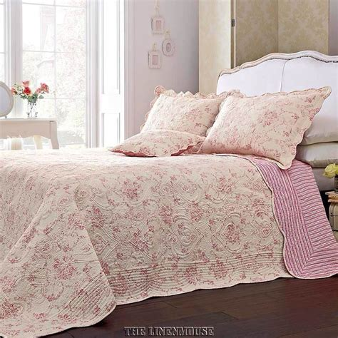 Heavy Quilted Bedspreads Superb Heavy Weight 100 Cotton Pink Quilted Toile
