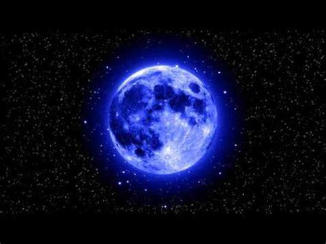 wallpaper bulan biru bila bulan berwarna biru arab aidit maksud disebalik